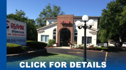 REMAX_Showcase_Long_Grove_office_tabs