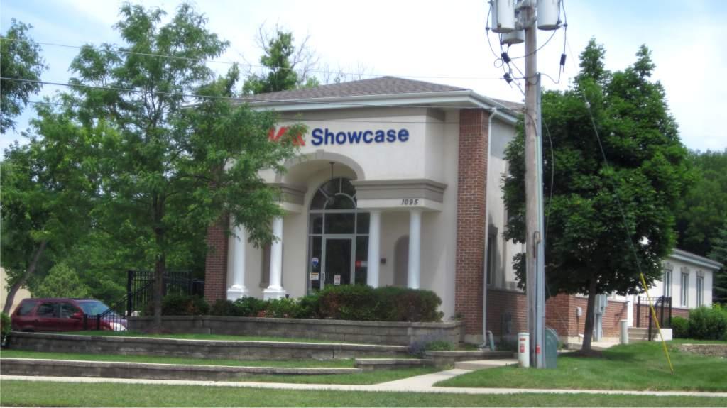 REMAX Showcase office in Waukegan2