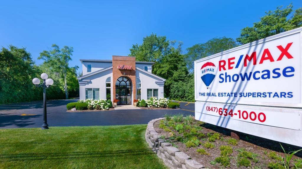 Remax Showcase Long Grove 6