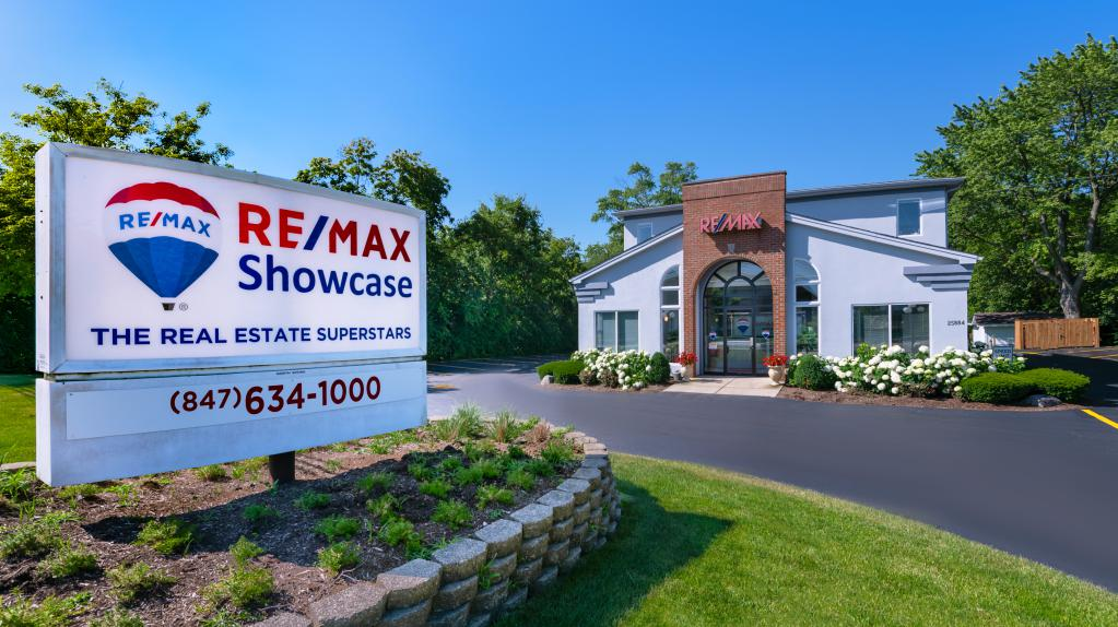 Remax Showcase Long Grove Office 7
