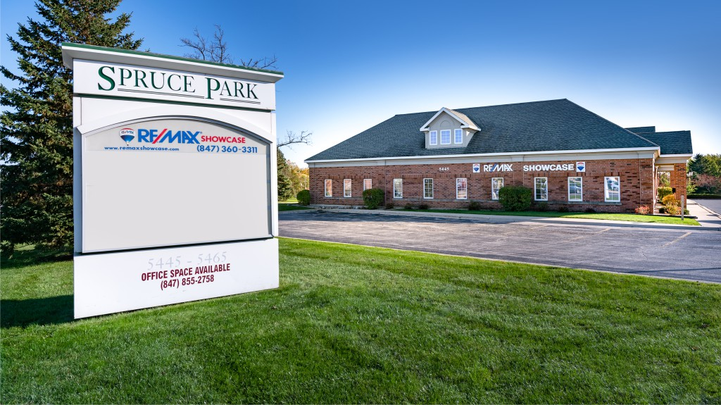 3 Remax Showcase Gurnee new office