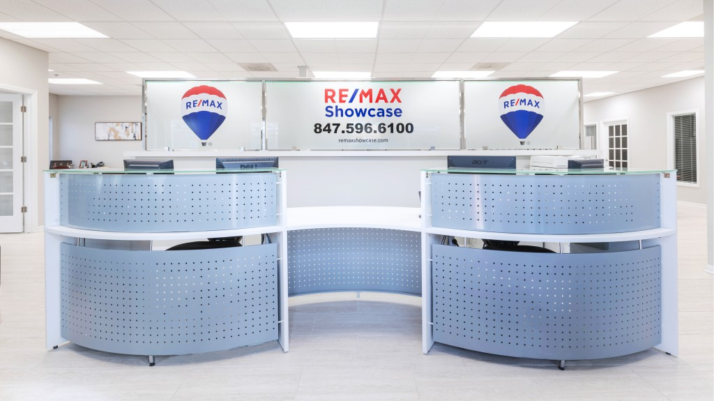 3.5 Remax Showcase Gurnee new office